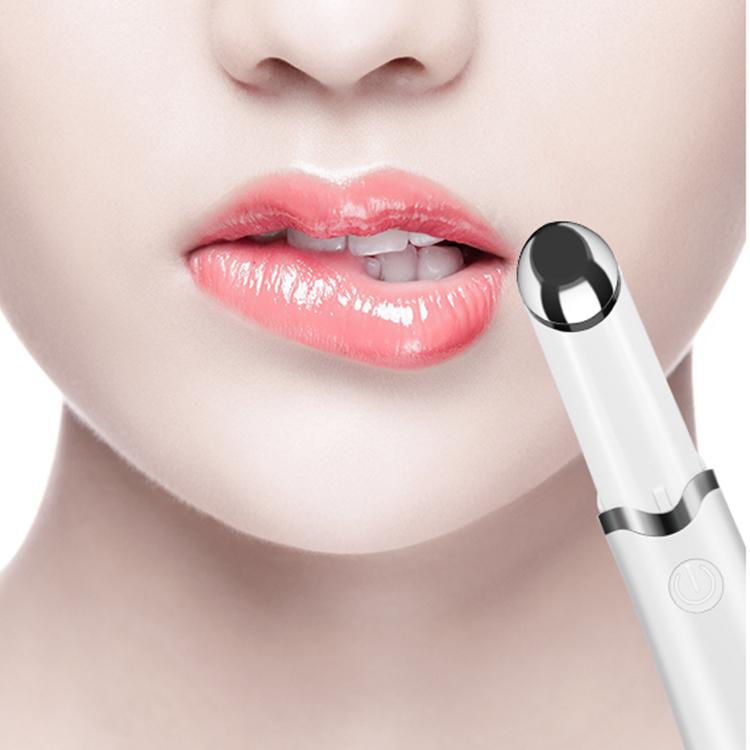 Массаж губ массажером черно белое женское нижнее белье